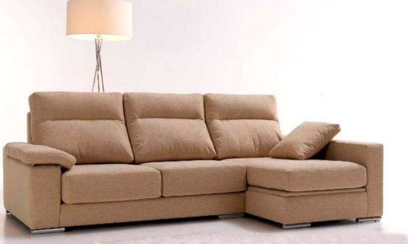 Sofá moderno con chaise longue color crema