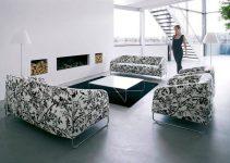 Sofá pequeño y estampado de tres plazas